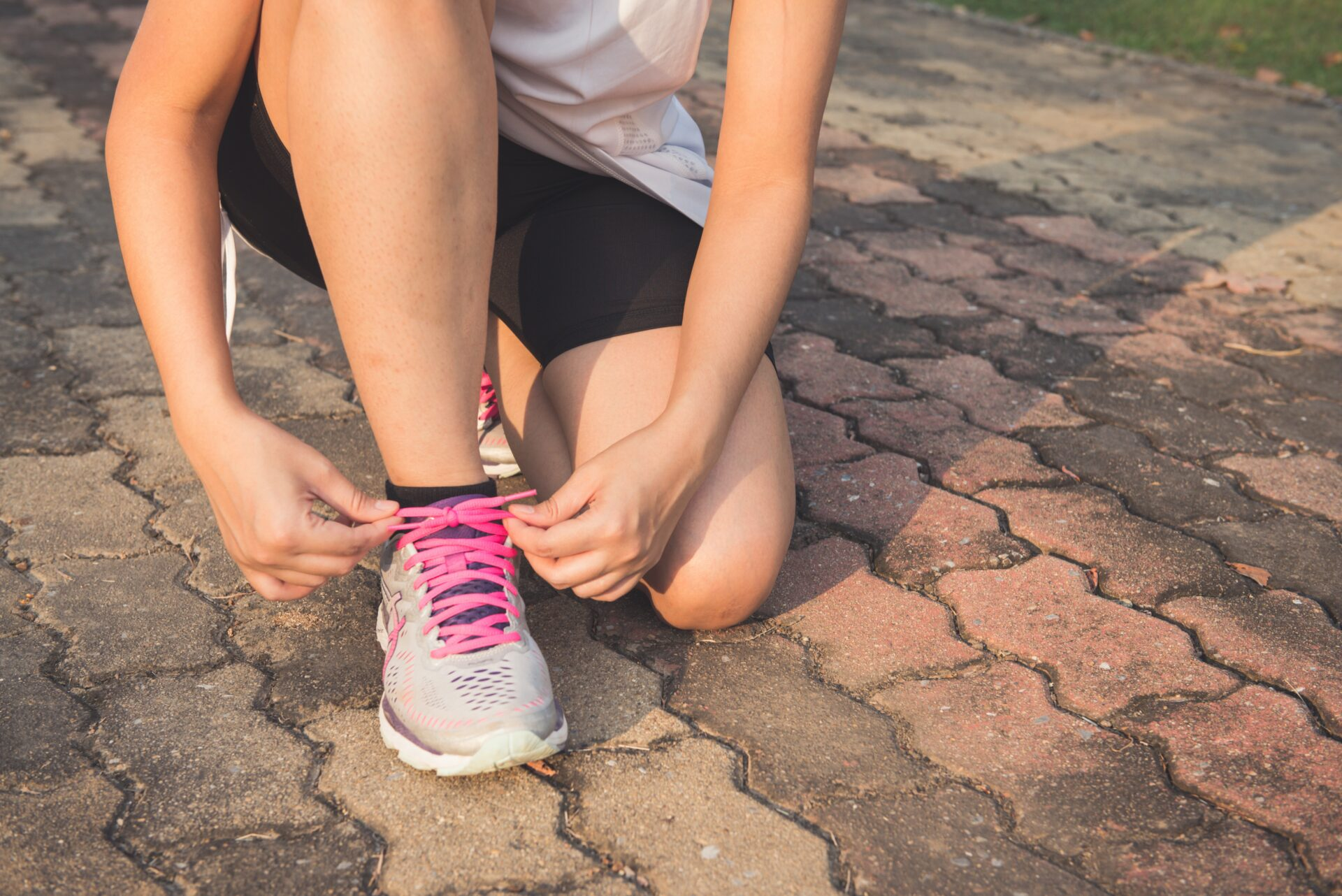 Exercise Female Fitness Foot tying shoe